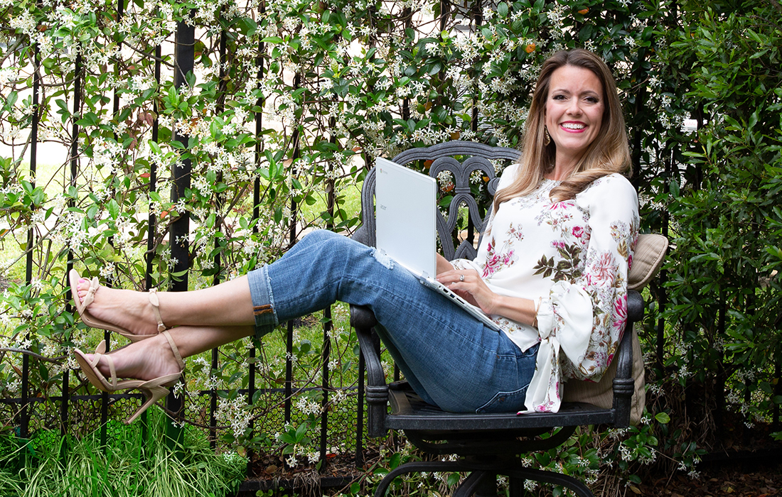 Emily Oberton, Houston Writer | Blogger | Book Clubber
